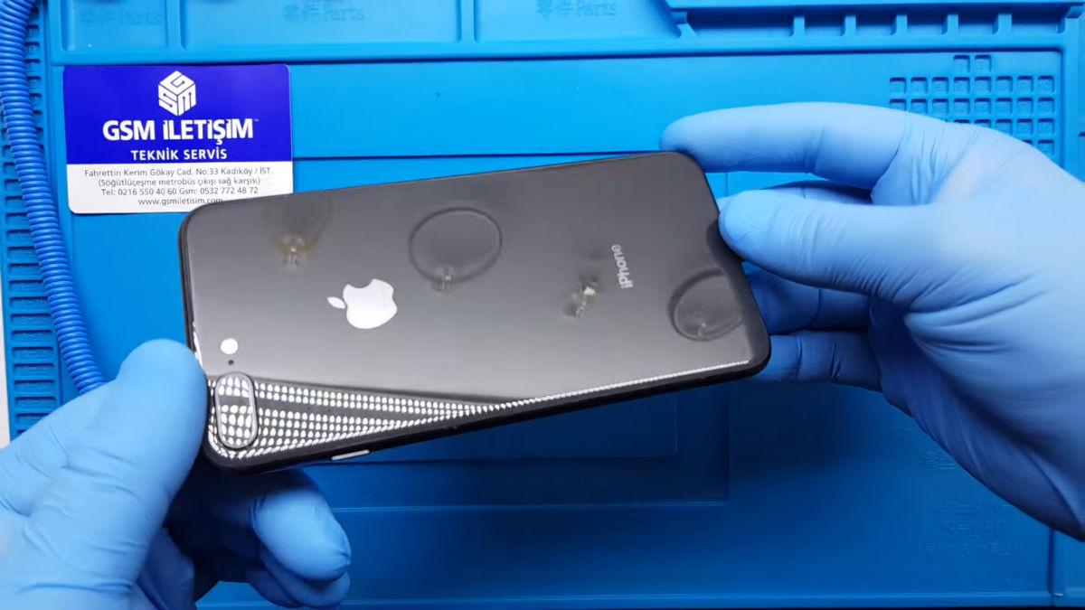 iPhone 8 Plus Arka Camı Kırıldı Değişimi